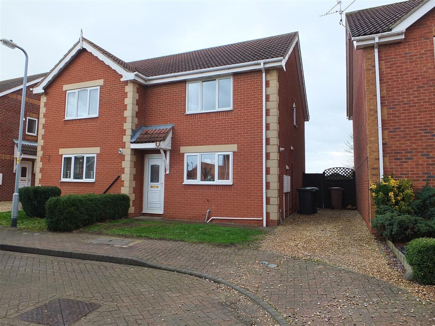 2 bedroom property in Ruskington, Sleaford